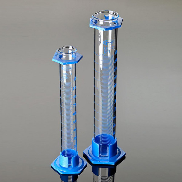 Messzylinder aus Glas mit Polypropylen-Fuß, 500 ml, nach DIN 12680