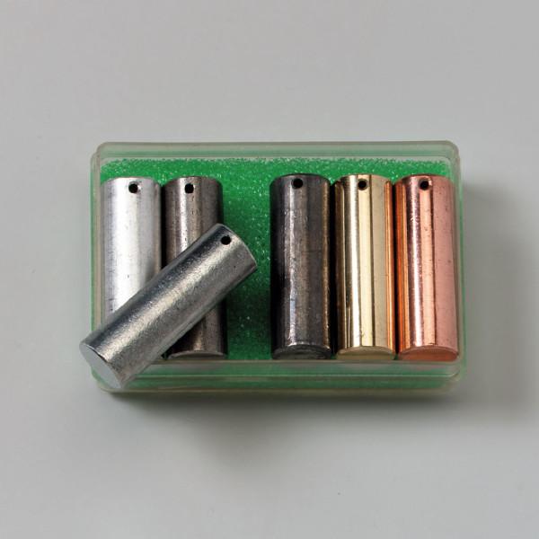 Metallzylinder mit gleichen Volumen bestehend aus 6 Teilen