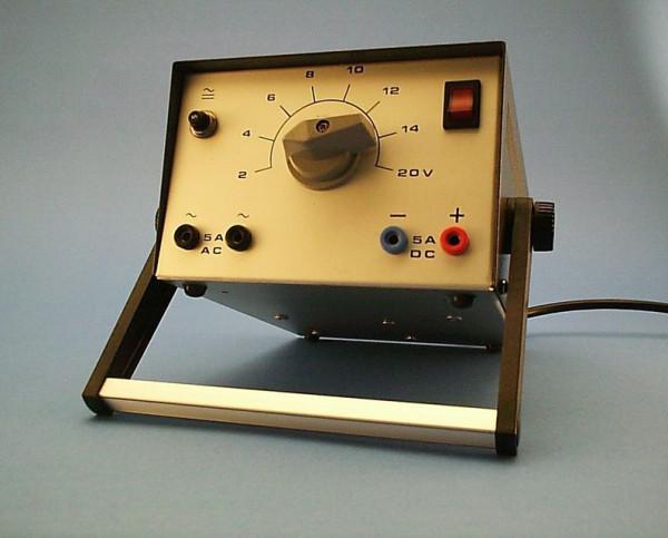Kleinspannungsnetzgerät 2 - 20 Volt AC/DC 5 A., Stufenschalter