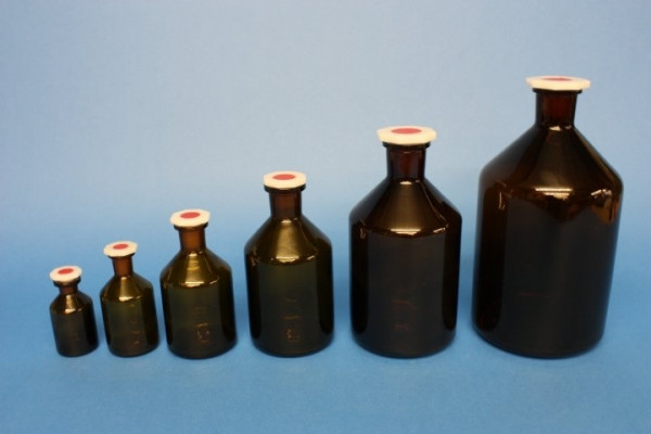 Steilbrustflasche, 100 ml, Enghals, braun, mit Norm-Polystopfen